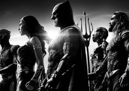 justice-league-zack-snyder-unveils-black-and-white-trailer-w_jvhv